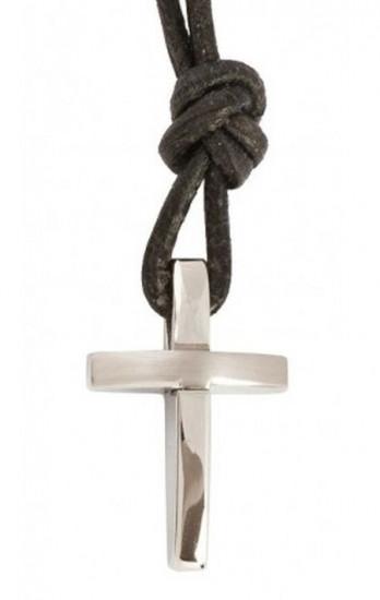 Collier en cuir avec pendentif croix en acier spécial 1.5x2cm