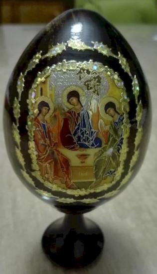 Œuf icône. La sainte Trinité. «Soldé»