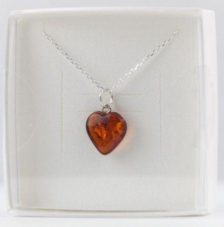 Collier avec pendentif coeur ambre