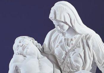 Pietà. 2 tailles. Marbre reconstitué