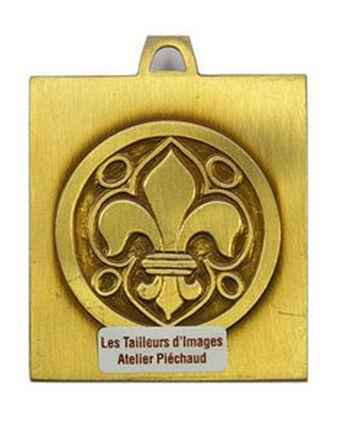 Médaille Berceau Vierge à l'Enfant 4,2 x 5,5 cm.