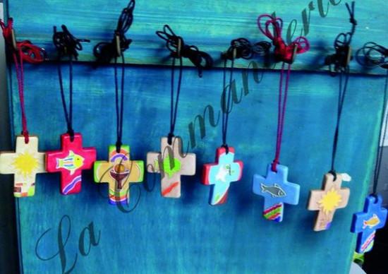 Pendentifs croix. Lot de 12