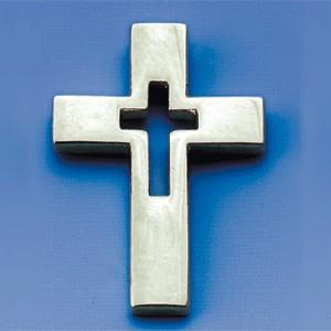 Pins Croix évidée argentée 1.5x2 cm