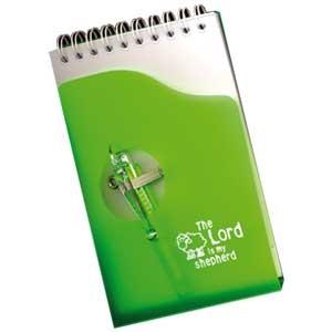 Bloc notes vert : 9 x13cm et son stylo.