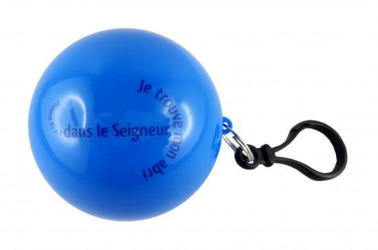 Poncho de pluie dans une boule bleue7 cm Ps 91 v1