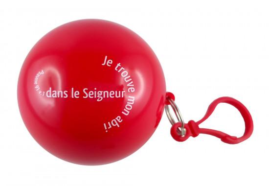 Poncho de pluie dans une boule rouge 7 cm Ps 91 v1