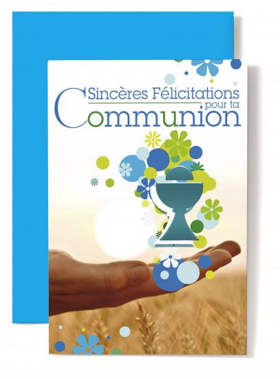 Carte double Communion Coupe bleue posée sur une mains