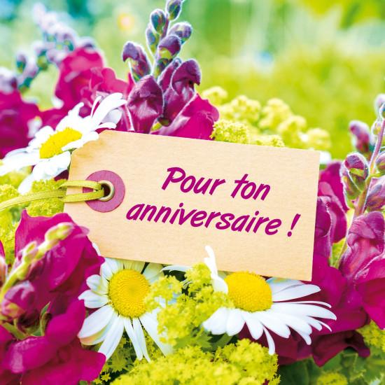 Carte double Carre étiquette sur un bouquet de fleurs