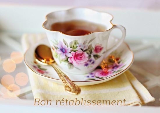 Carte avec message Tasse de thé sur un plateau