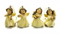 Lot de 4 anges musiciens. En résine, 5 cm.