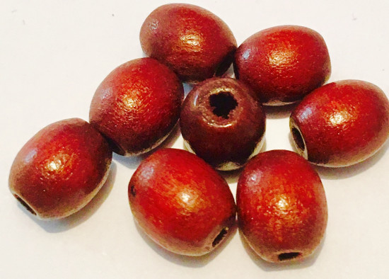 Perles ovales en bois marron 10 x 8 mm. 130 perles