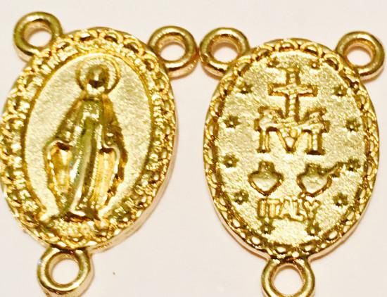 Médaille de chapelet dorée :  1,8 x1,6 cm. Vierge Miraculeuse.