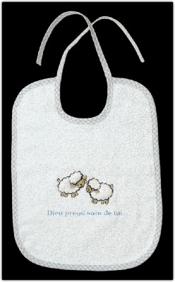 Bavoir éen éponge beige moutons brodés Dieu prend.....