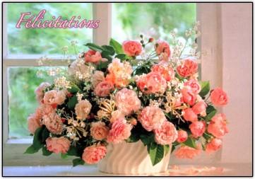 Carte avec message Bouquet devant fenêtre (Félicitations)