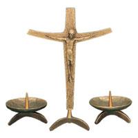 Crucifix sur pied en bronze